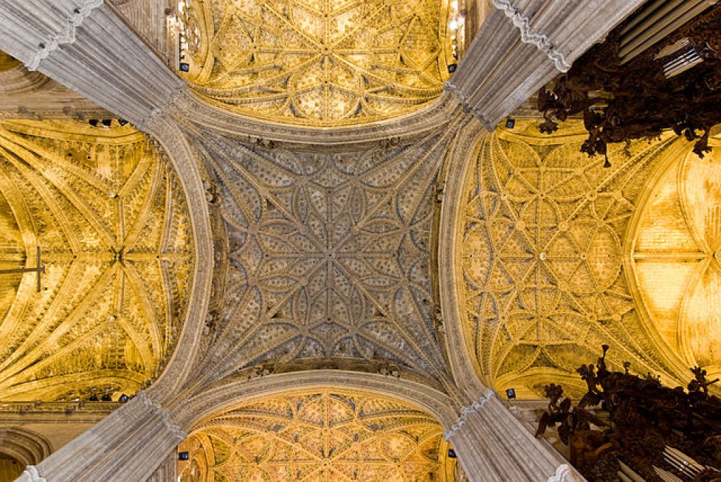seville-cathedral-interior