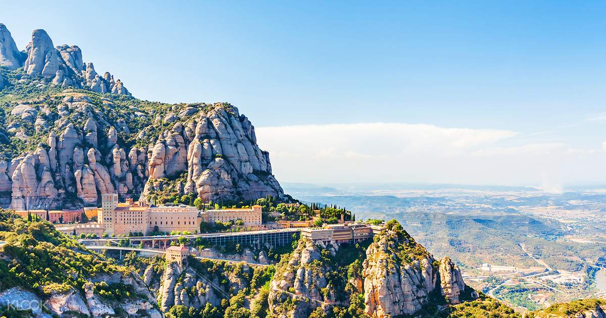 Montserrat & Winery Day Tour (Small Group)