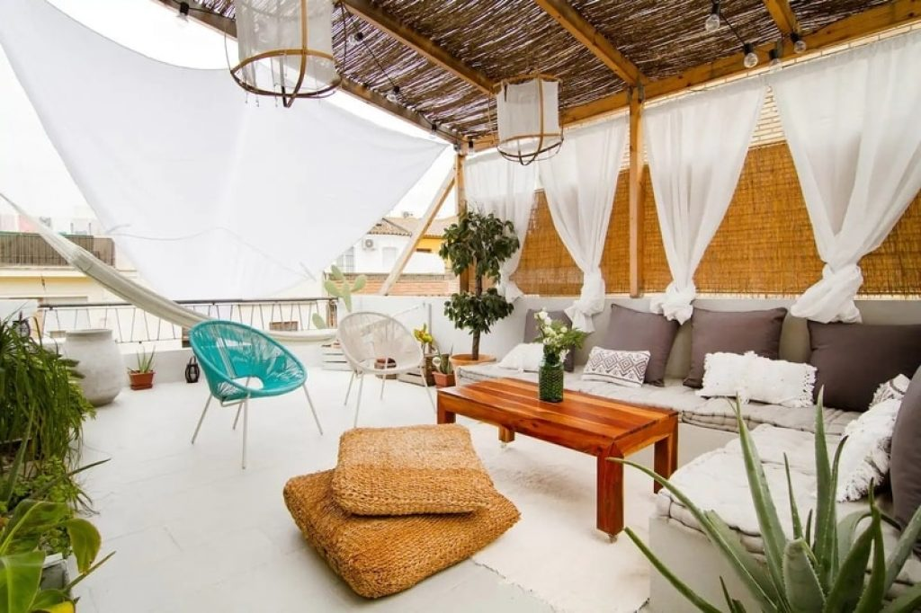 rooftop-patio-hammock-lounge-area-airbnb-seville-spain