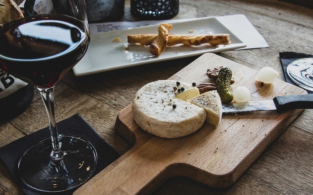 Cheese-pickles-and-red-wine-tapas-and-wine-tour-spain